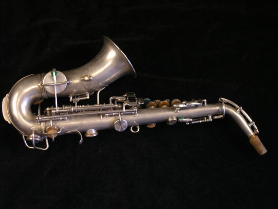 King Silver H.N. White Model Curved Soprano - 52664 - Photo # 2