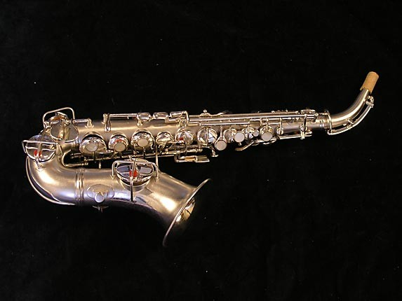 "Conn ""New Wonder"" Silver Plate Curved Soprano - 70327 - Photo # 1"