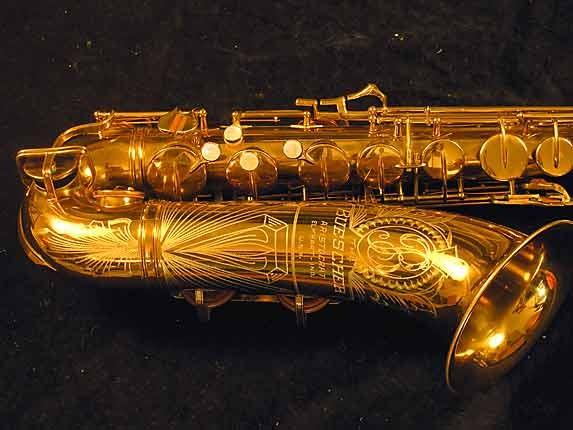 "Buescher Lacquer Aristocrat ""Big B"" Tenor - 305859 - Photo # 3"
