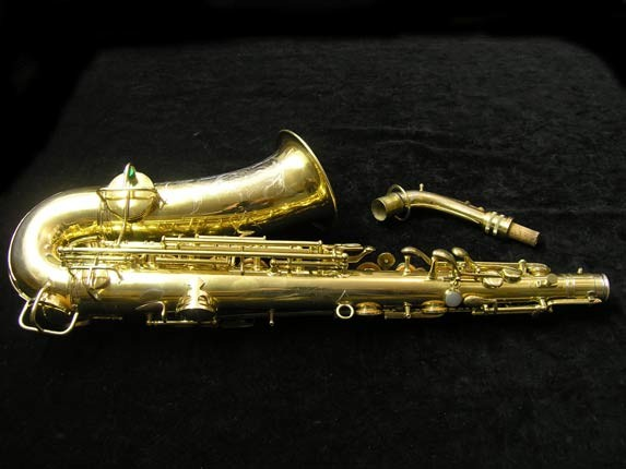 "Conn ""New Wonder"" Gold Plate Alto - 98974 - Photo # 4"