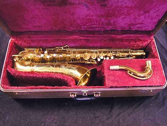 "Buescher Lacquer Aristocrat ""Big B"" Tenor - 305859 - Photo # 23"