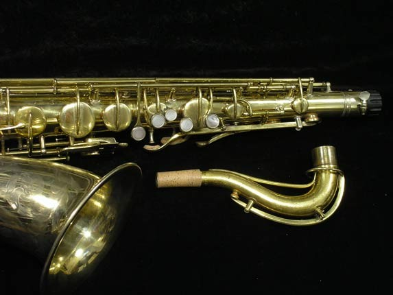 "Conn ""Portrait"" Gold Plate ""Nude Woman"" Tenor - 119399 - Photo # 3"